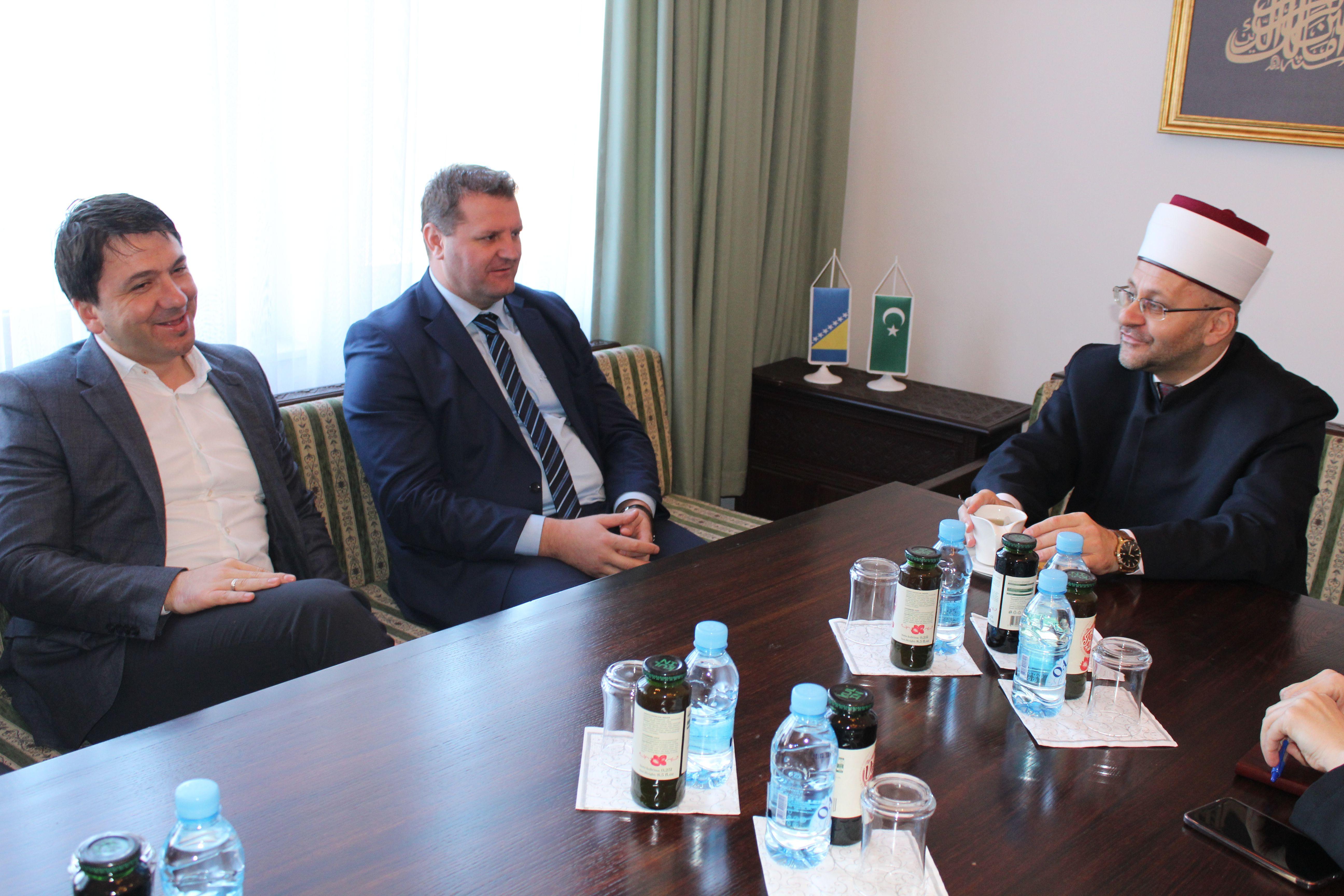 Delegacija Uprave za pravne i administrativne poslove Rijaseta u posjeti Muftijstvu mostarskom
