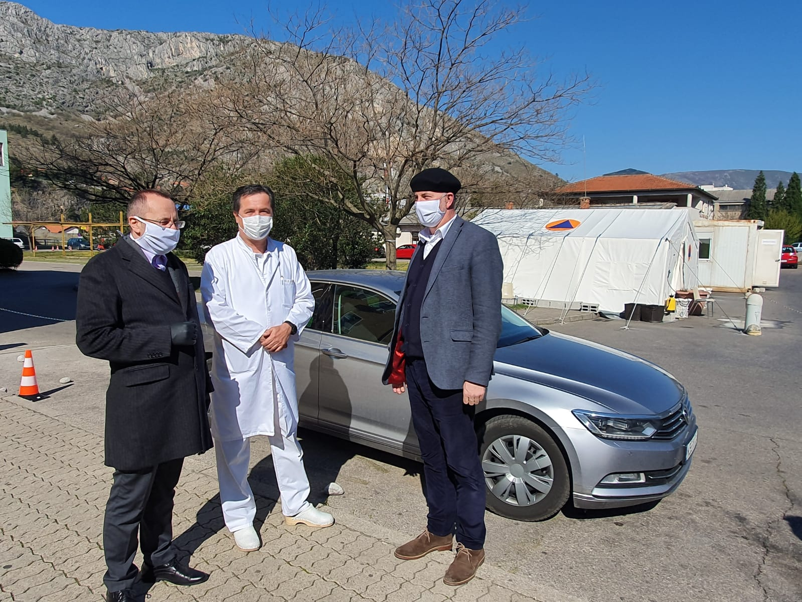 Mostarski i goraždanski muftija uručili donaciju Kantonalnoj bolnici dr. Safet Mujić u Mostaru